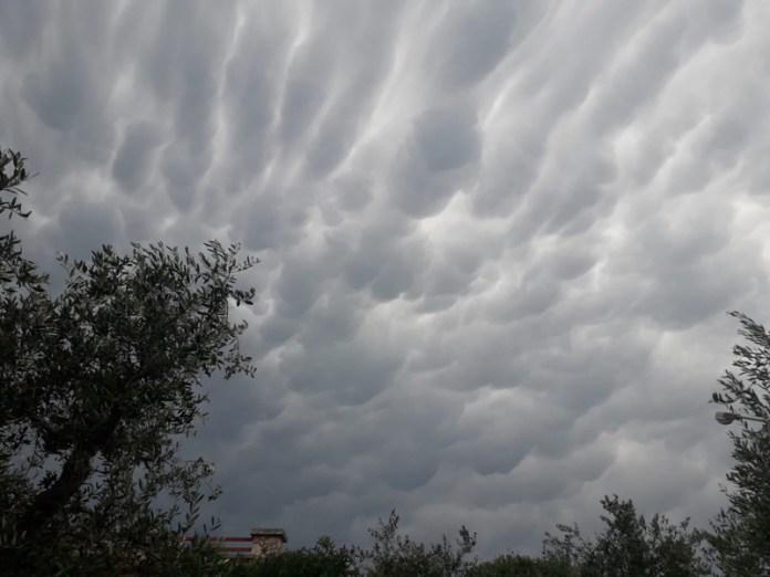 Mammatus cloud nella campagna pugliese