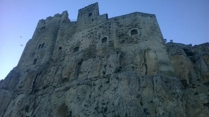 Castello su opera di Dorè...