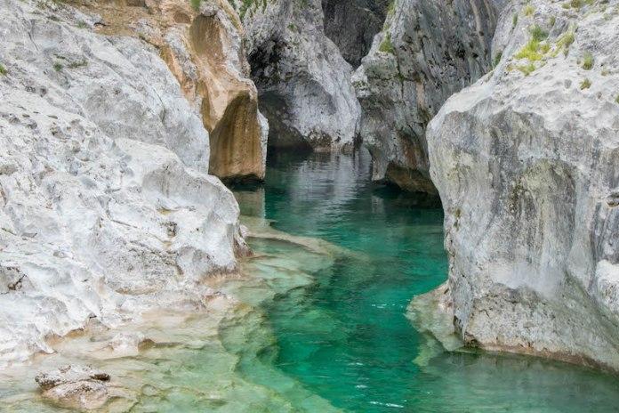 Cerdevol Curnila in Val d'Arzino (Pn) L'acqua è incredibilmente chiara ed azzurra