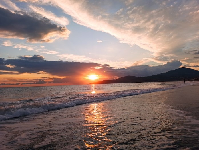 I 4 elementi: terra, acqua, aria, fuoco (Marina di Ascea)