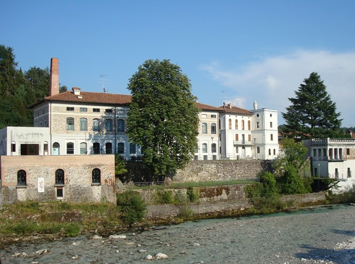 """Biblioteca """"Pierluigi Cappello"""" - centro Ceschia - Tarcento (UD)"""