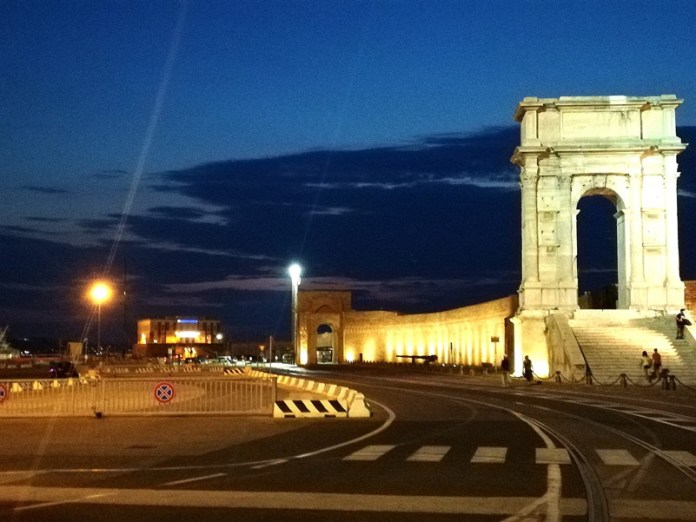 Luci e ombre al Porto di Ancona - Arco Traiano