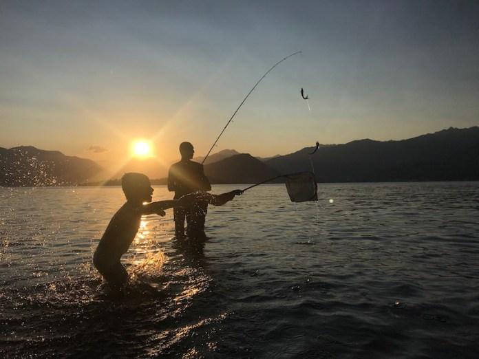 A pesca con papà sul lago Maggiore