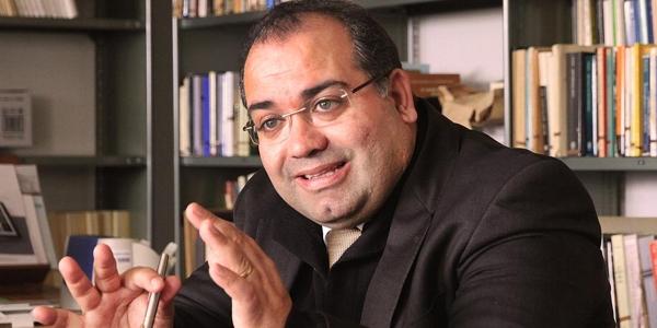 Secretário de Estado da Cultura condecora José Eduardo Franco