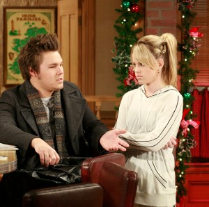 """GENERAL HOSPITAL - Scott Clifton (Dillon), Julie Berman (Lulu) and Ron Hale (Mike) in a scene that airs the week of December 17, 2007 on ABC Daytime's """"General Hospital."""" """"General Hospital"""" airs Monday-Friday (3:00 p.m. - 4:00 p.m., ET) on the ABC Television Network. GH07 (ABC/RON TOM) SCOTT CLIFTON, JULIE BERMAN, RON HALE"""