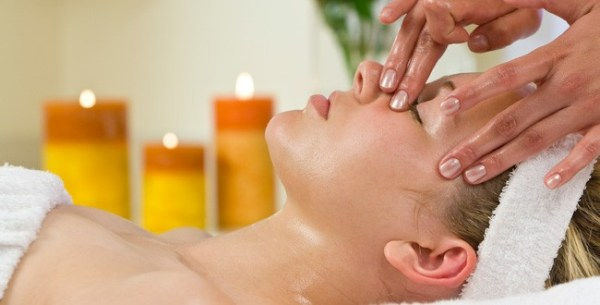 aromatheraphy facial