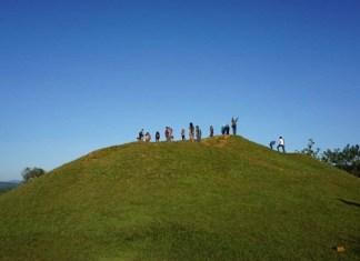 Candi Abang, Tempat Wisata Jogja Dengan Bukit Teletubies-nya