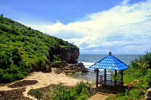 Pantai Ngedan, Wisata Pantai Terbaru Dari Bibir Pantai Gunung Kidul
