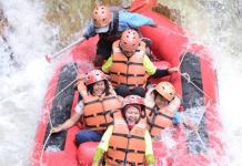 Empat Rekomendasi Tempat Wisata Rafting Bandung dan Sekitarnya