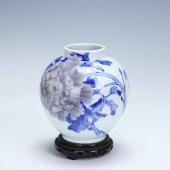 青華 釉下彩牡丹図花瓶