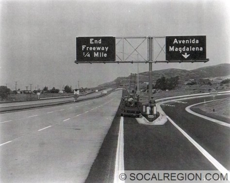 1959 photo of the freeway in San Clemente heading northbound. Freeway ended at the El Camino Real interchange until 1960.