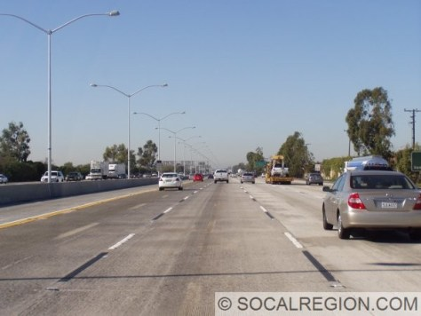"""Along the section cosigned with the 22, newer """"Boulevard"""" style lights have been installed, giving this section of the 405 a very unique look."""