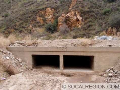 Bridge over the Mint Canyon Wash on the 1934 re-alignment.