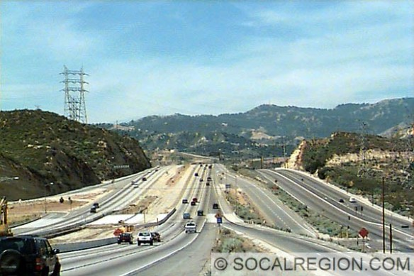 View of the freeway at Placerita Canyon in 1997 before the HOV lanes were added. The divided road on the right is the original Sierra Highway.