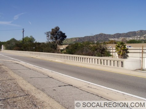 View of the southbound San Fernando Road I-5 exit. This formerly carried the eastern San Fernando Frontage Road.