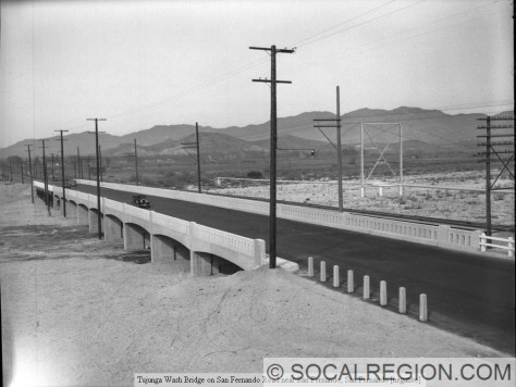 1930's view of the bridge.
