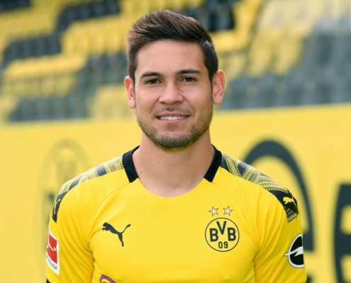 Borussia Dortmund Offer Raphael Guerreiro Yet Another Contract Extension Amid PSG Interest