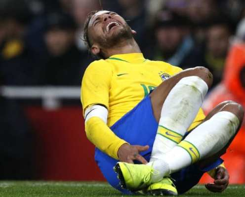Neymar Insists 'Diving' Reputation Comes From Him Trying to Avoid Injury in 'Dishonourable' Game