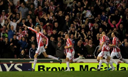 On This Day in Football History – March 24: Xavi Makes Debut, Peter Crouch Scores a Worldie & More