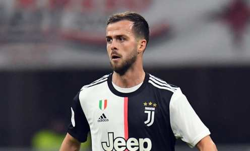 Juventus' Miralem Pjanic 'Agrees Deal' With Barcelona With 3 Players Offered in Exchange