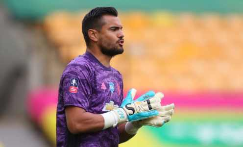 Sergio Romero to Seek Clarity on Man Utd Future After Lack of First Team Opportunities