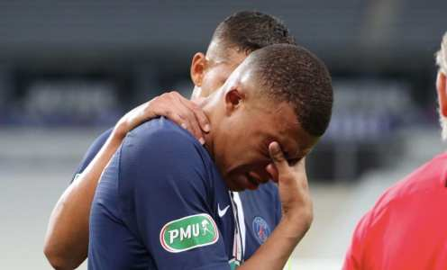 Kylian Mbappe Tells President Macron His Ankle 'Cracked a Bit' in Coupe de France Final