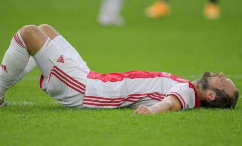 Daley Blind Collapses During Pre-Season Game for Ajax
