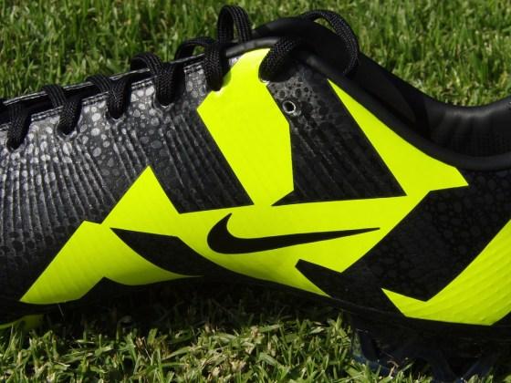 Visual details of Nike Superfly III