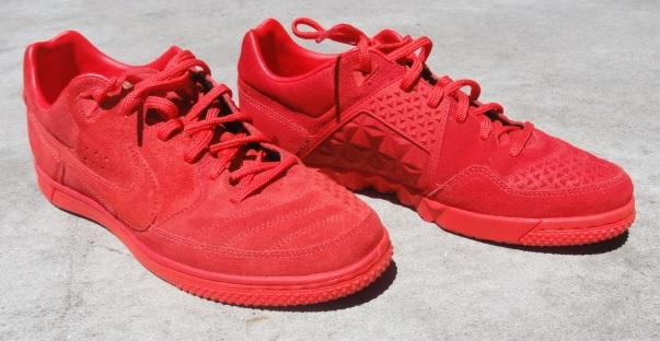 Nike5 Gato Street in Chling Red/Varsity