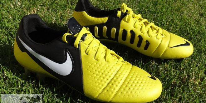 timeless design 005be 4fea5 Nike CTR360 Maestri III Review   Soccer Cleats 101