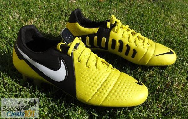 Sonic Yellow Nike CTR360 Maestri III