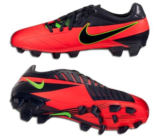 Nike Total90 Laser in Crimson Red