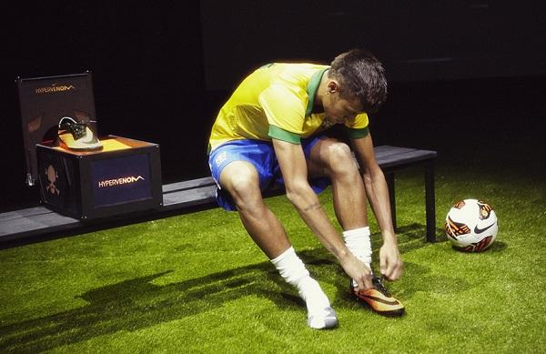 Neymar Nike Hypervenom