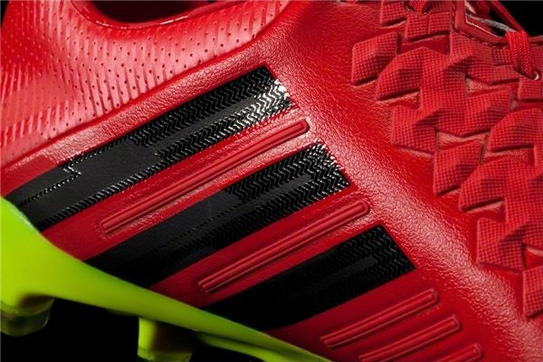 Red Predator LZ 3-Stripe