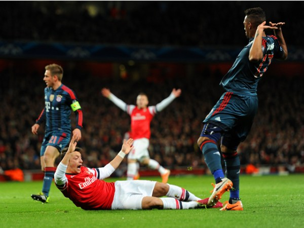 Arsenal v FC Bayern Muenchen - UEFA Champions League Round of 16