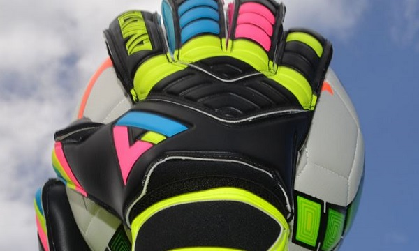Stretta Light Bright Blackout Gloves