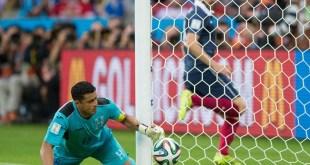 Benzema Goal Line Tech