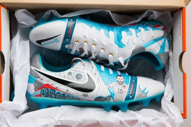 Donovan SE Nike CTR360 Maestri