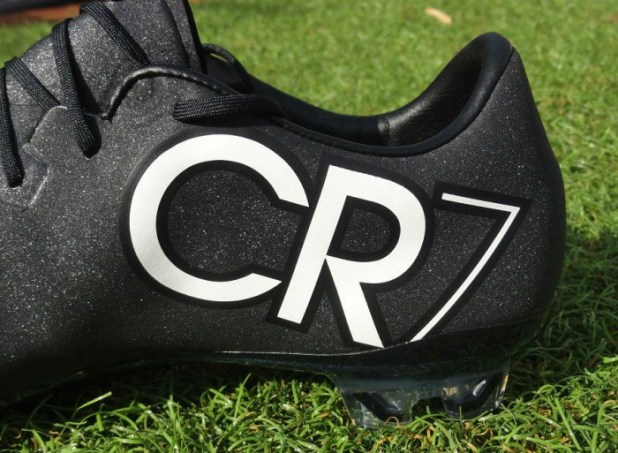 CR7 Mercurial Vapor