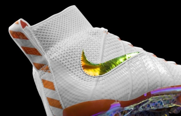 Nike Vapor Untouchable Superbowl Cleat