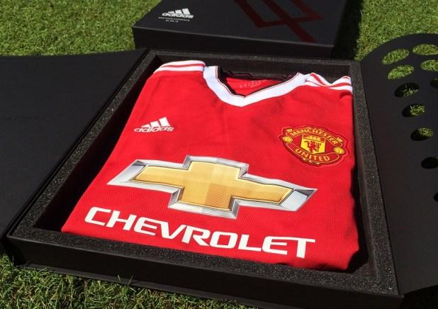Man Utd Home kit Presentation 2015