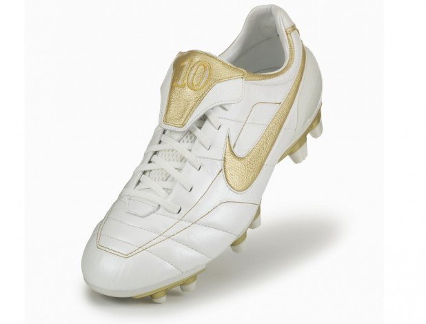 e305c33ec4f Cleatology - The Original Nike Air Legend Tiempo R10