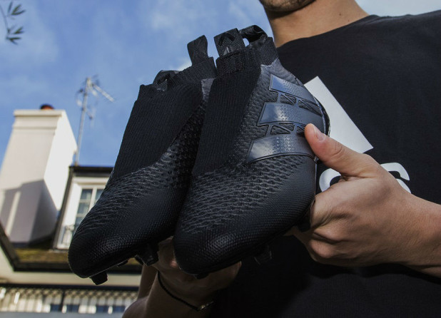 Ozil with Blackout Laceless Boots