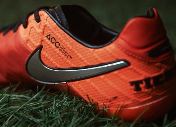 Nike Tiempo Legend 6 Crimson Profile