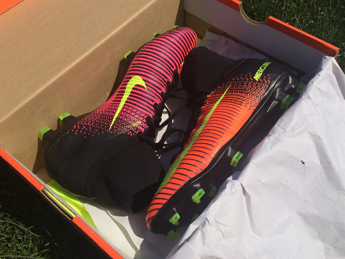 595f76f650cd Nike Mercurial Superfly V Unboxing