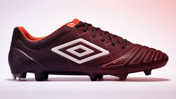 Umbro UX-Accuro