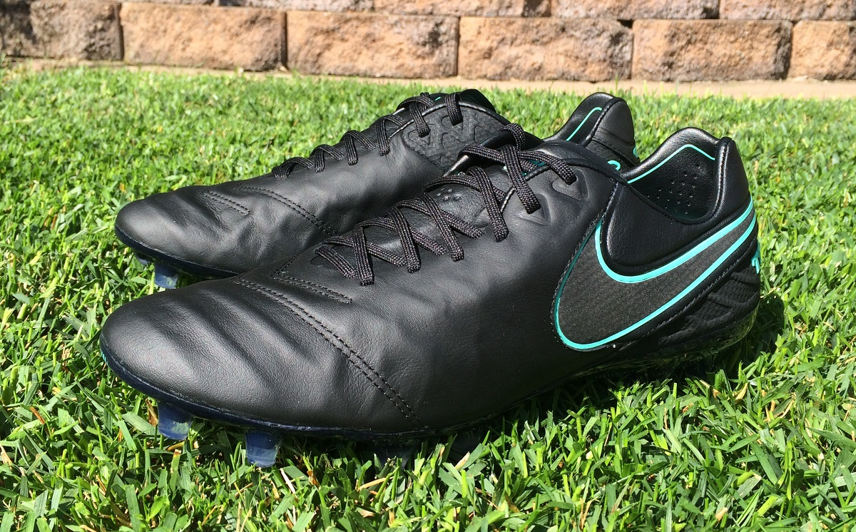 "the best attitude 8a343 b4b7a Up Close – ""Pitch Dark"" Nike Tiempo Legend 6 