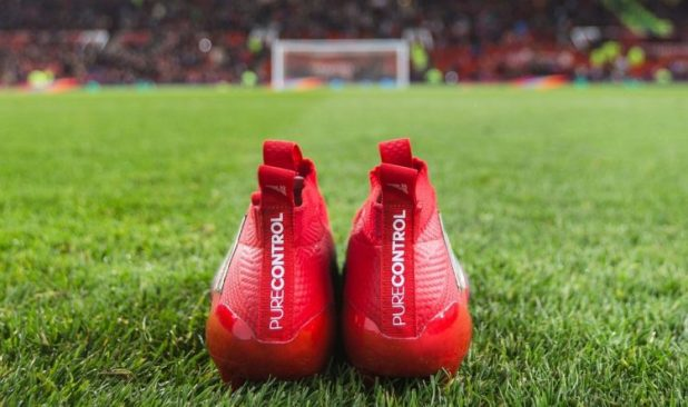 adidas-purecontrol-on-the-old-trafford-pitch