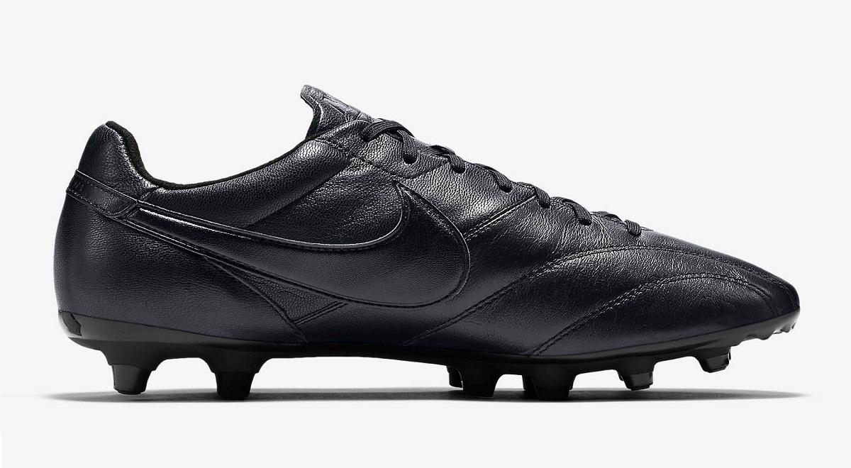 62c78e11d035 Nike Premier Blackout