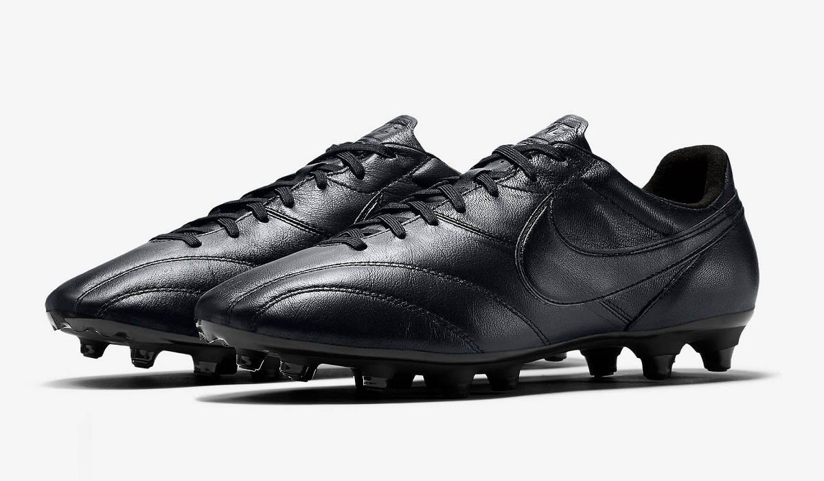 60f257098 Nike Premier FG Triple Black